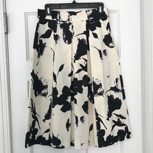 Zara Black and White Pleated Midi Skirt   Medium